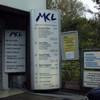 Einfahrt Werbepylon Waschanlage MKL München