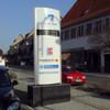 Konvexer Werbepylon mit Digitalem Anzeigesystem (Ferngesteuert)